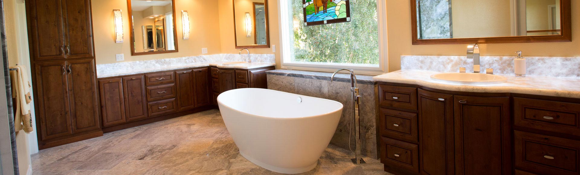 Standard_Faceframe_Custom_Cabinets_Dark_Master_Bathroom_AZ6A5784