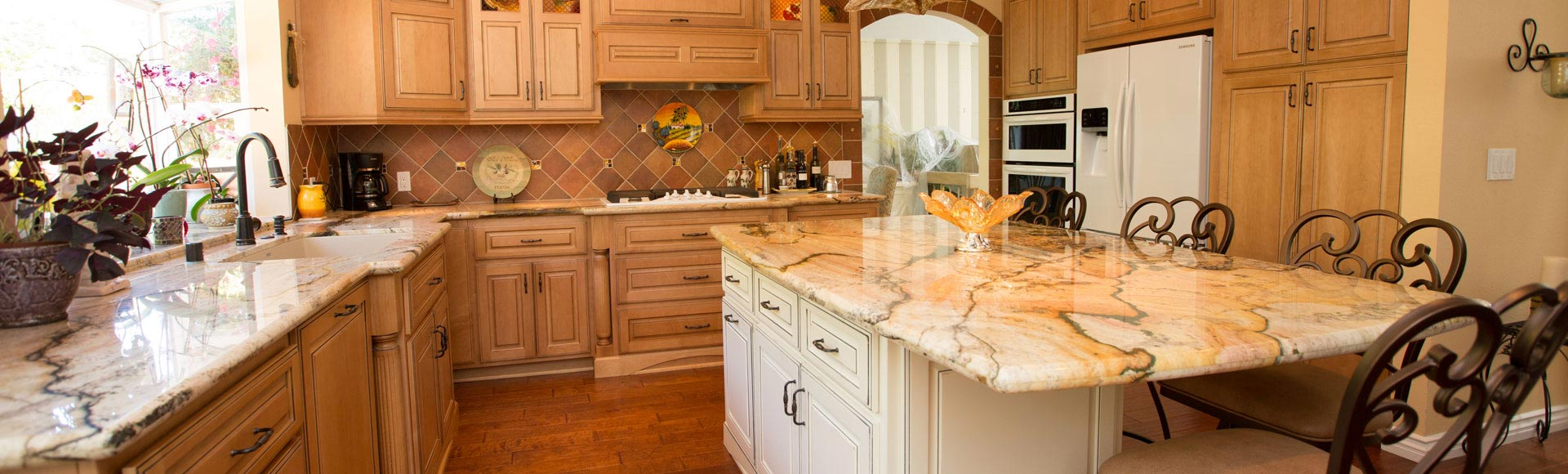 Standard_Faceframe_Traditional_Custom_Kitchen_Cabinets_GJW_AZ6A9607