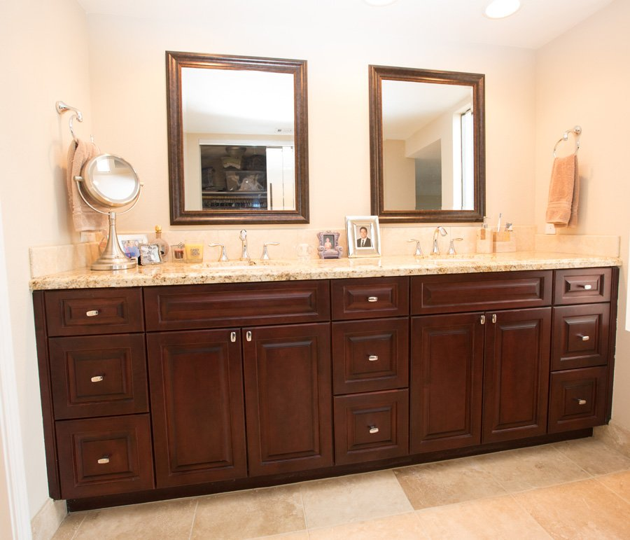 frameless-custom-masterbath-cabinets-granite
